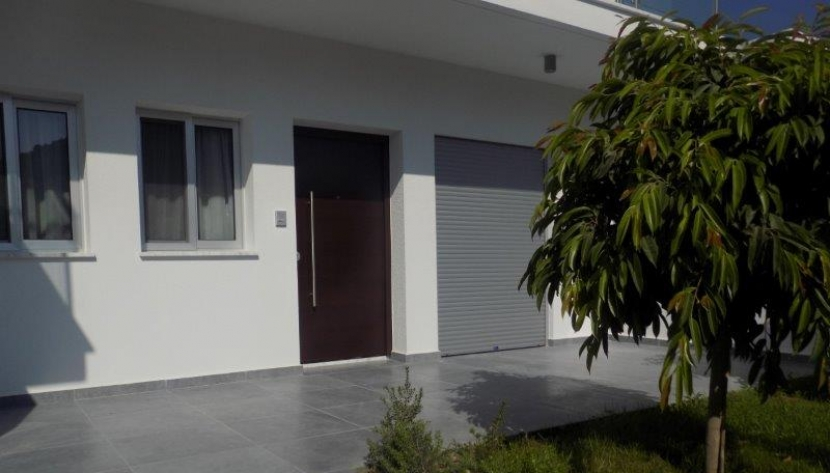 MODERN 3 BED SEMI DETACHED HOUSE LIMASSOL