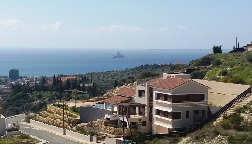 LUXURY 6 BED VILLA IN AYIOS TYCHONAS LIMASSOL