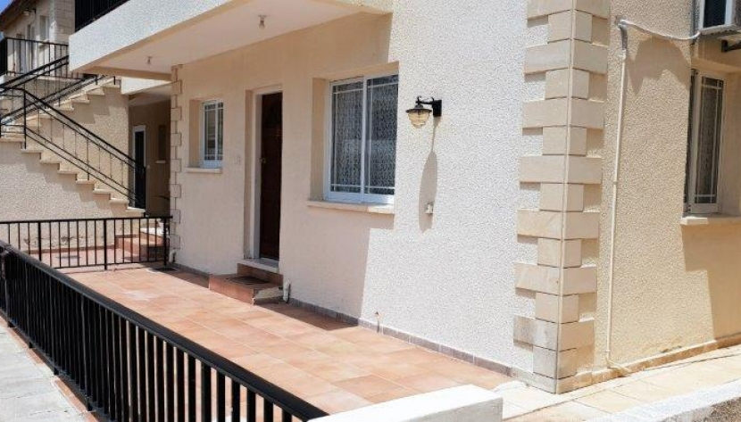 2 BED GROUND FLOOR APARTMENT IN TOMBS OF THE KINGS PAPHOS