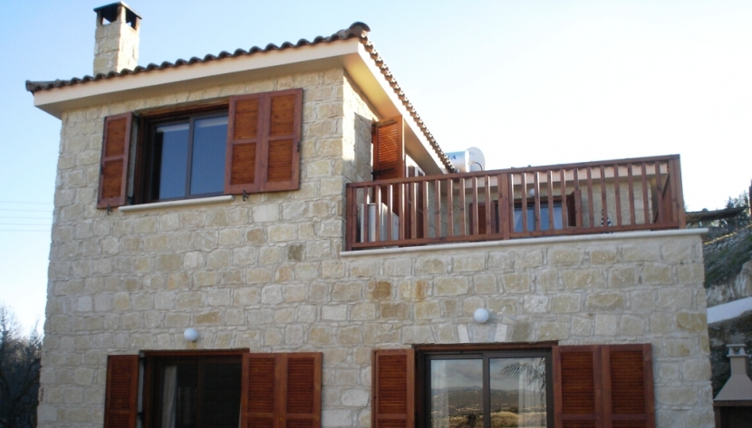 SUPERB 3 BED TRADITIONAL STONE PROPERTY IN KALLEPIA, PAPHOS