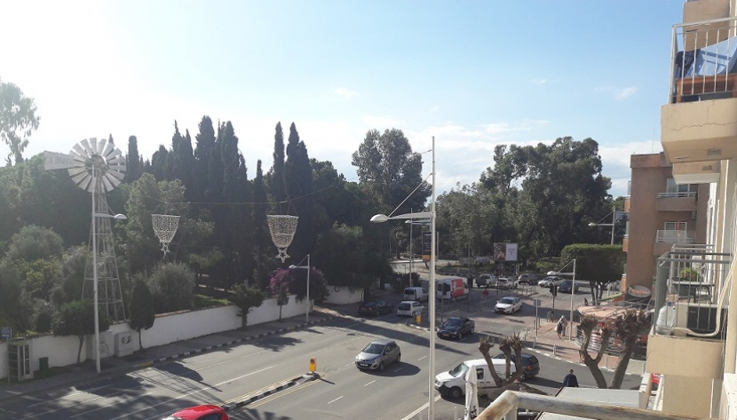 2 BEDROOM APARTMENT VERY CLOSE TO THE BEACH IN LIMASSOL