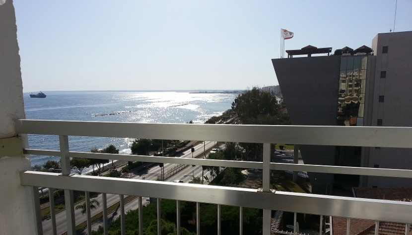 2 BEDROOM APARTMENT IN NEAPOLIS SEA FRONT IN LIMASSOL