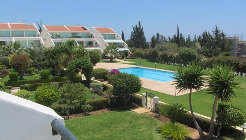 2 BEDROOM APARTMENT IN AMATHUS, EAST OF LIMASSOL TOWN