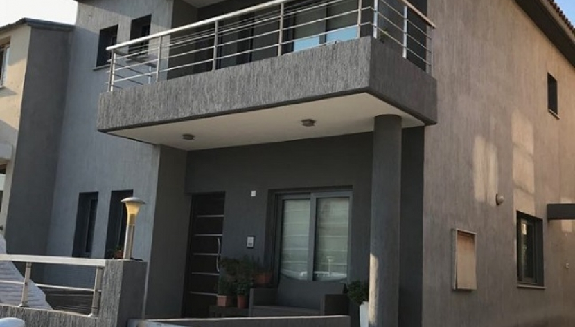 4 BEDROOM SEMI-DETACHED HOUSE IN IPSOUPOLI, LIMASSOL