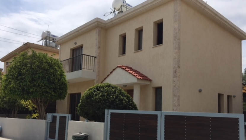3 BEDROOM DETACHED HOUSE IN POLEMIDIA, LIMASSOL