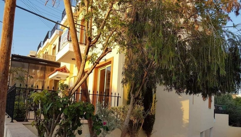 SPACIOUS 3 BEDROOM 3 BATHROOM SEMI-DETACHED HOUSE IN AYIA FYLA, LIMASSOL
