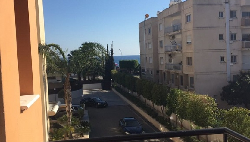 SPACIOUS 3 BEDROOM APARTMENT 100M FROM THE SEA IN LIMASSOL