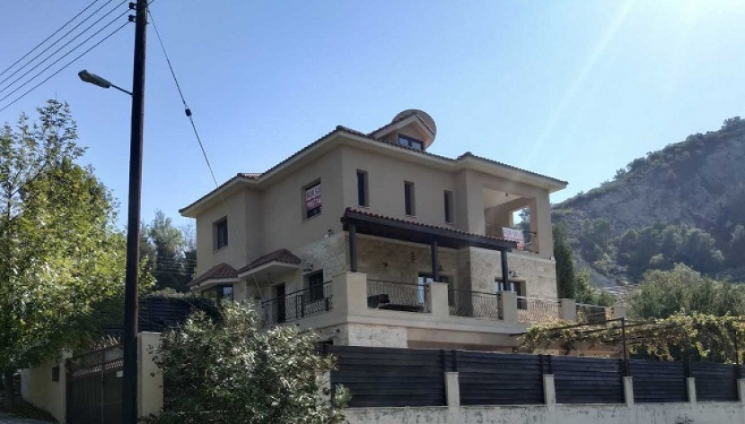 4 BEDROOM HOUSE IN PERA PEDI, LIMASSOL DISTRICT